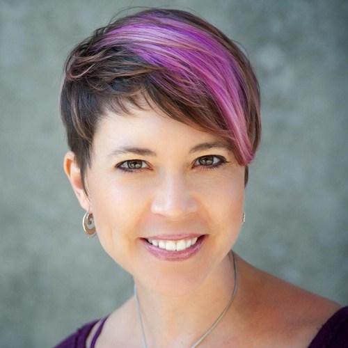 2-rundes-Gesicht-pixie-haarschnitte-purple