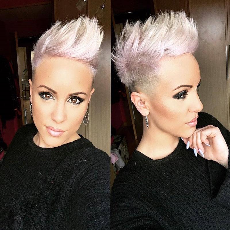 2-Grau-verwitterte-verruckte-Frisur