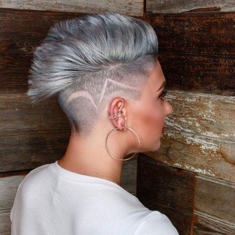 4-graue-Haare-mit-Seite-Rasiert
